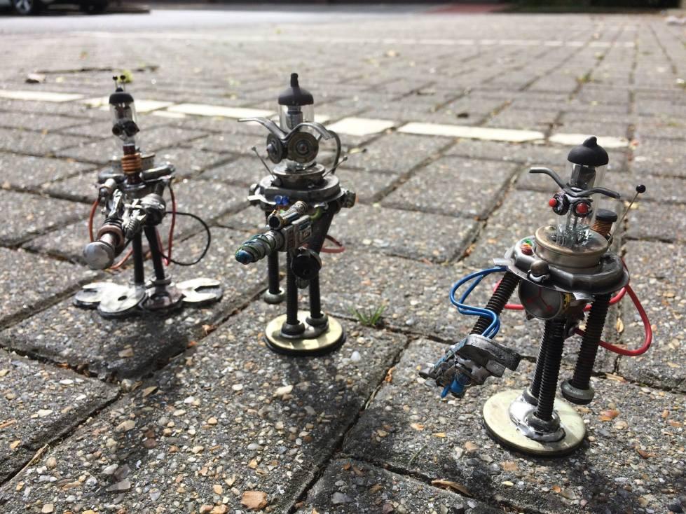 screwed sculpts robots