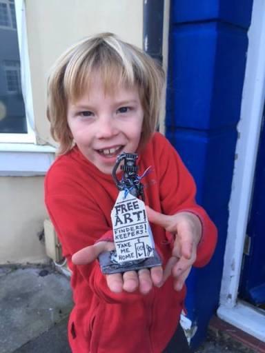 Happy free art finder!
