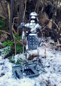 Robot Spear Bot by Screwed Sculpts