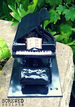 Piano Sculpt