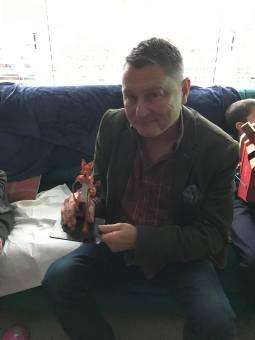 Happy customer with fox sculpt